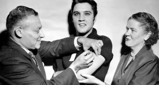 Elvis receiving vaccine